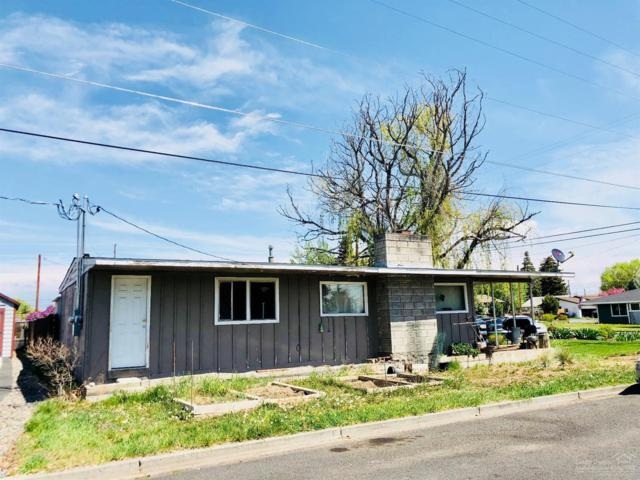 929 SW 15th Street, Redmond, OR 97756 (MLS #201804373) :: Central Oregon Home Pros