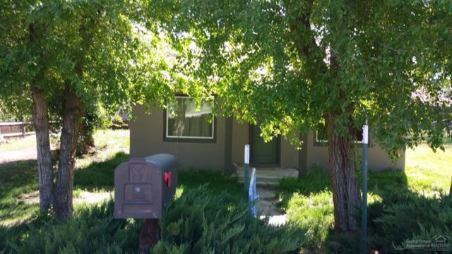 385 SE 8th Street, Madras, OR 97741 (MLS #201805480) :: Fred Real Estate Group of Central Oregon