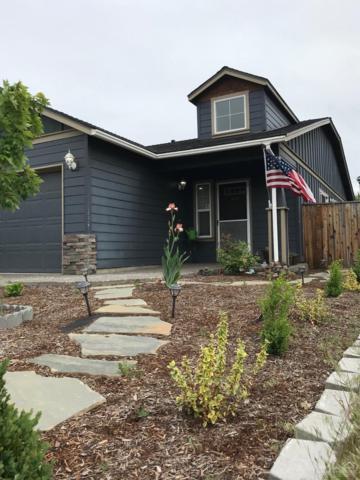 2883 NE Jackdaw Drive, Bend, OR 97701 (MLS #201806150) :: Windermere Central Oregon Real Estate