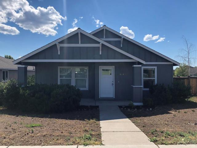 1413 NE 5th Street, Redmond, OR 97756 (MLS #201806304) :: The Ladd Group