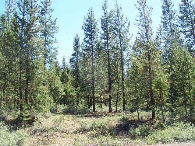 16337 Lava Drive, La Pine, OR 97739 (MLS #201806410) :: Fred Real Estate Group of Central Oregon