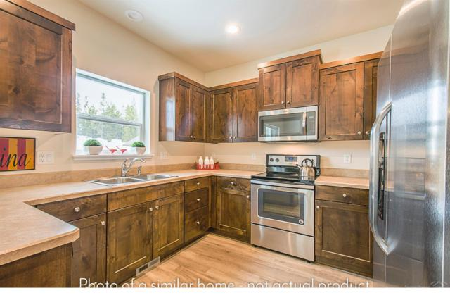 16441 Betty Court, La Pine, OR 97739 (MLS #201806668) :: Pam Mayo-Phillips & Brook Havens with Cascade Sotheby's International Realty