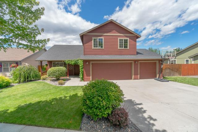2663 NW 13th Street, Redmond, OR 97756 (MLS #201806845) :: The Ladd Group