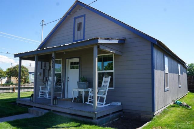 698 NW Beaver Street, Prineville, OR 97754 (MLS #201807596) :: Fred Real Estate Group of Central Oregon