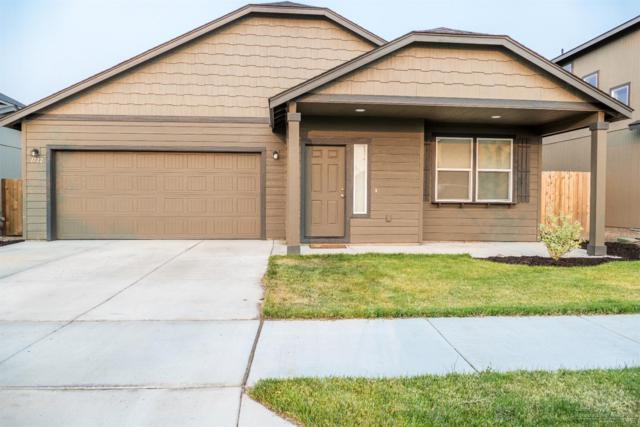 1722 SW 36th Way, Redmond, OR 97756 (MLS #201808379) :: Team Birtola | High Desert Realty