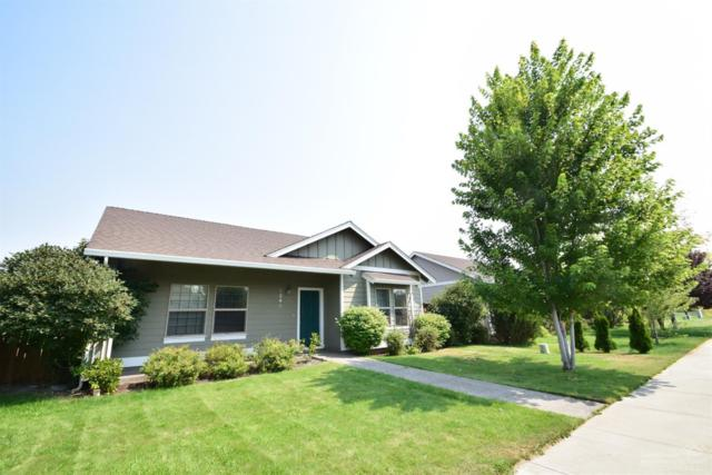1246 NW 19th Street, Redmond, OR 97756 (MLS #201808383) :: Team Birtola | High Desert Realty