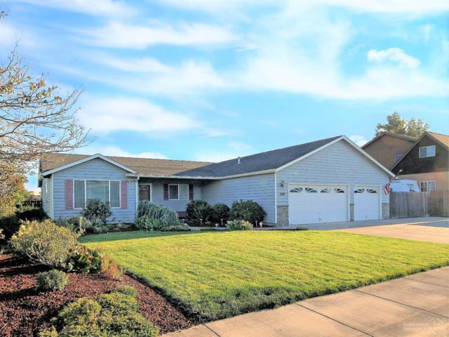 2146 NW Greenwood Place, Redmond, OR 97756 (MLS #201809111) :: Premiere Property Group, LLC