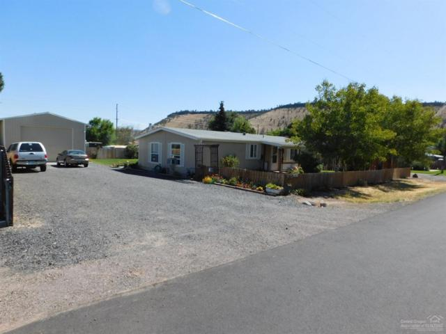 700 SW Cliff Side Lane, Prineville, OR 97754 (MLS #201809180) :: Fred Real Estate Group of Central Oregon