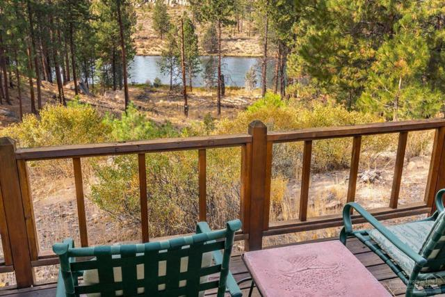 60780 River Bend Drive, Bend, OR 97702 (MLS #201810073) :: Fred Real Estate Group of Central Oregon