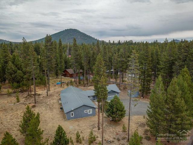 15044 Fall River Drive, Bend, OR 97707 (MLS #201810175) :: The Ladd Group