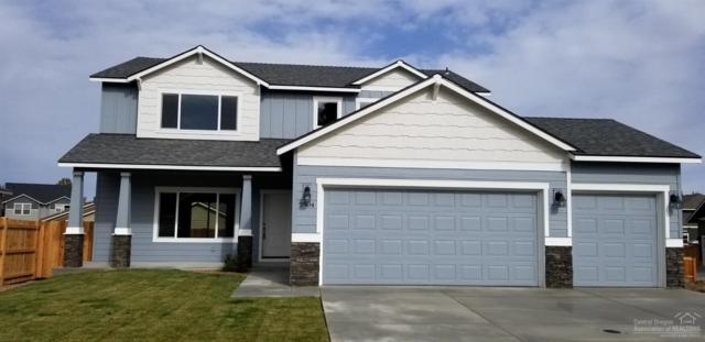 2904 NE Rainier Drive, Bend, OR 97701 (MLS #201810236) :: Central Oregon Home Pros