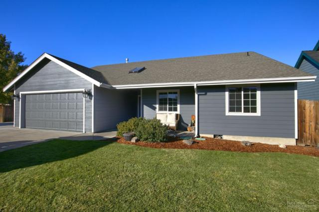 2211 NW 22nd Street, Redmond, OR 97756 (MLS #201810543) :: The Ladd Group