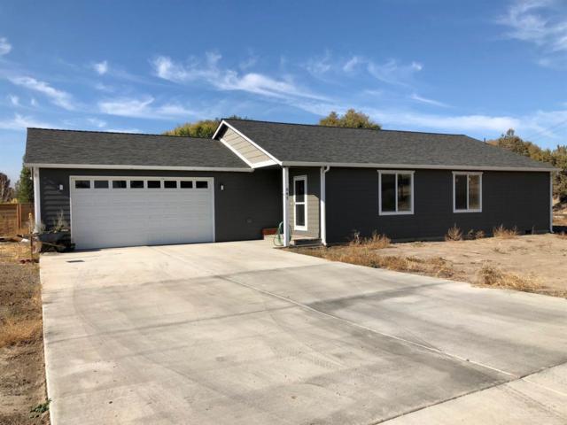 647 NE Juniper Street, Prineville, OR 97754 (MLS #201810554) :: Fred Real Estate Group of Central Oregon