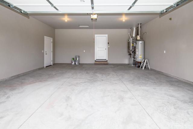 945 NW Oak Avenue, Redmond, OR 97756 (MLS #201810722) :: Team Birtola | High Desert Realty