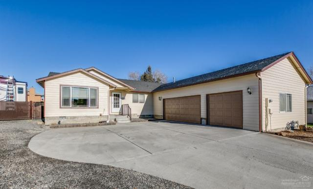 2223 NW Hemlock Place, Redmond, OR 97756 (MLS #201811473) :: Fred Real Estate Group of Central Oregon