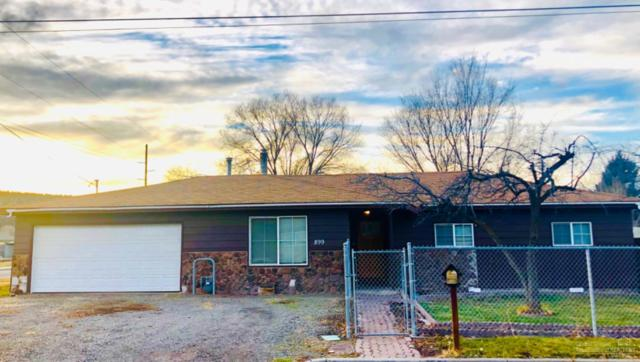 899 NW Locust Street, Prineville, OR 97754 (MLS #201811597) :: Fred Real Estate Group of Central Oregon