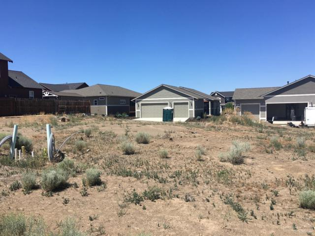 20778 Beaumont Drive, Bend, OR 97701 (MLS #201900008) :: Fred Real Estate Group of Central Oregon