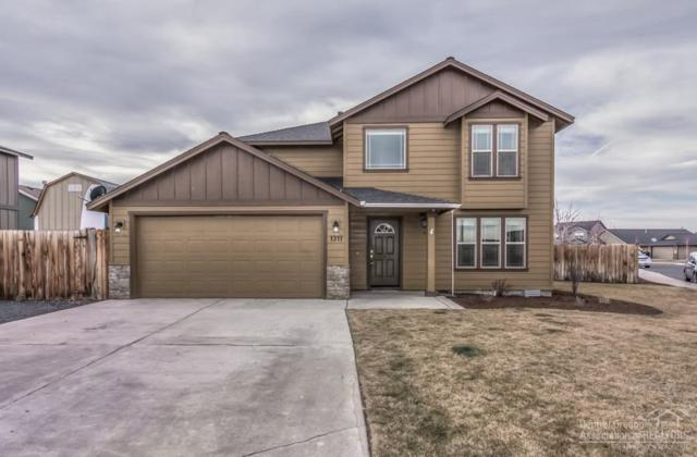 1311 NW 21st Street, Redmond, OR 97756 (MLS #201900062) :: The Ladd Group