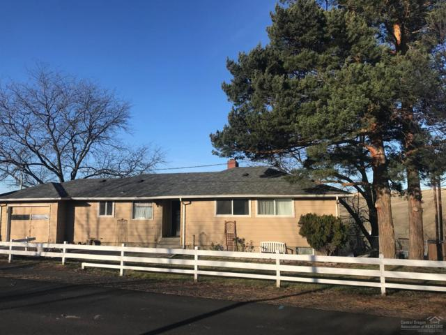 35 NE Mt Hebron Drive, Pendleton, OR 97801 (MLS #201900328) :: Fred Real Estate Group of Central Oregon