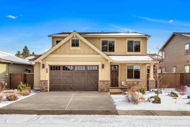 3044 NW River Trail Place, Bend, OR 97703 (MLS #201901051) :: The Ladd Group