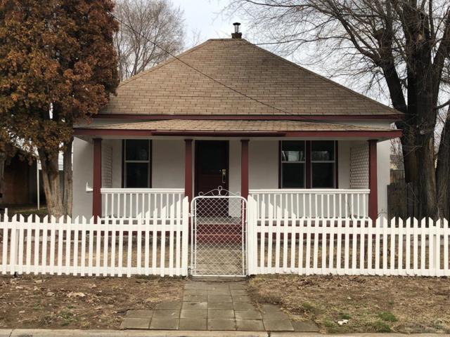 241 SE 9th Street, Madras, OR 97741 (MLS #201901271) :: Central Oregon Valley Brokers