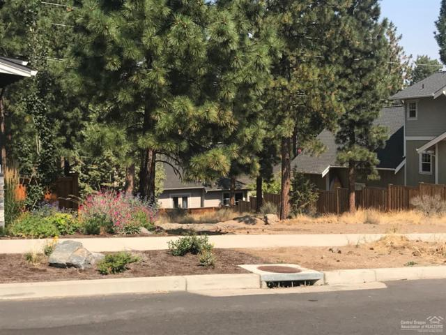 2348 NW Drouillard Avenue, Bend, OR 97703 (MLS #201901316) :: Fred Real Estate Group of Central Oregon