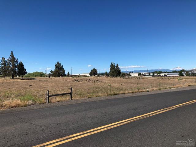 700 NE Hemlock Avenue, Redmond, OR 97756 (MLS #201901443) :: Fred Real Estate Group of Central Oregon