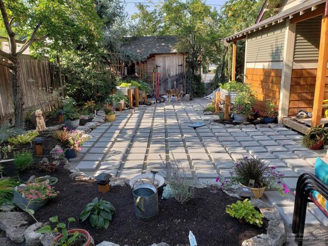 1324 NW Fresno Avenue, Bend, OR 97703 (MLS #201901519) :: Windermere Central Oregon Real Estate