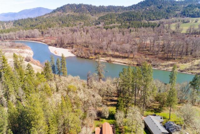 8265 Riverbanks Road, Grants Pass, OR 97527 (MLS #201901913) :: Windermere Central Oregon Real Estate