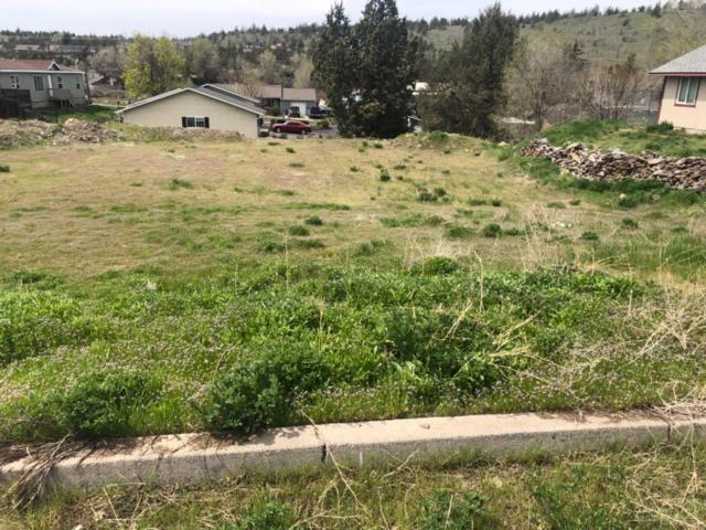 4 SW Lincoln Lot, Madras, OR 97741 (MLS #201903238) :: Bend Homes Now