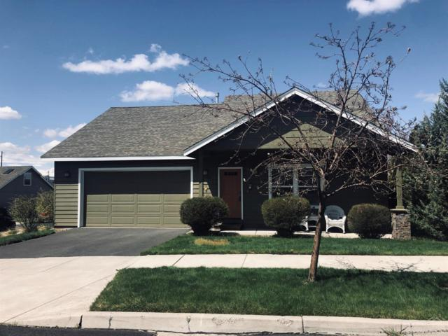20702 NE Beaumont Drive, Bend, OR 97701 (MLS #201903378) :: Central Oregon Home Pros