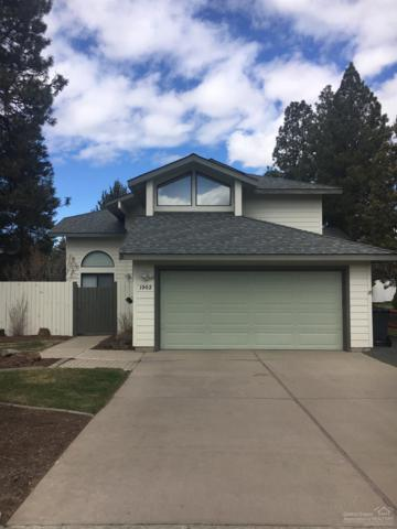 1902 SE Arborwood Avenue, Bend, OR 97702 (MLS #201903654) :: The Ladd Group