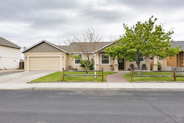 3037 SW Lava Avenue, Redmond, OR 97756 (MLS #201904404) :: Team Birtola | High Desert Realty