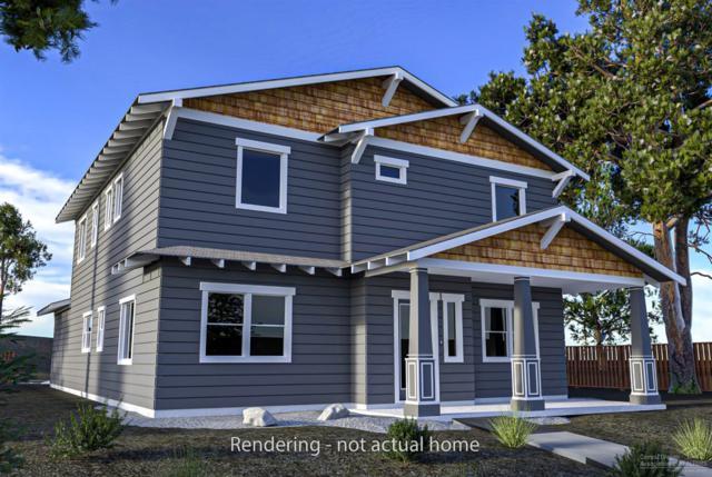 1556 NW Kingwood Avenue, Redmond, OR 97756 (MLS #201904506) :: The Ladd Group