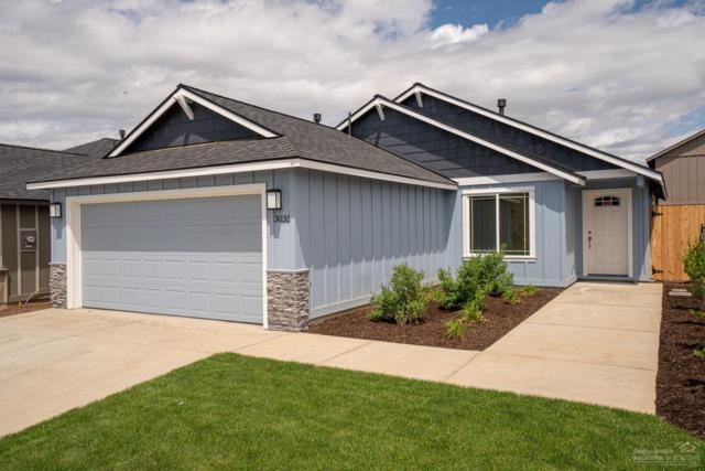 3035 NW Cedar Avenue, Redmond, OR 97756 (MLS #201904757) :: Central Oregon Home Pros