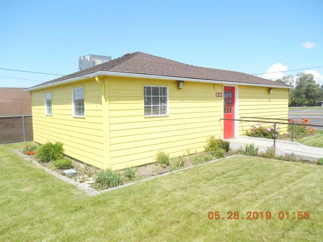 84 SW I Street, Madras, OR 97741 (MLS #201904760) :: The Ladd Group