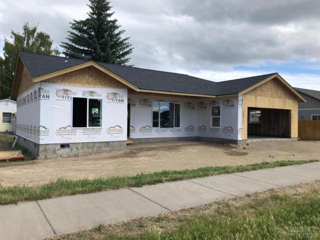 172 NE Buena Villa Drive, Prineville, OR 97754 (MLS #201905238) :: Team Sell Bend