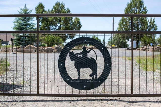 1422 SW Bent Loop, Powell Butte, OR 97753 (MLS #201905315) :: Berkshire Hathaway HomeServices Northwest Real Estate