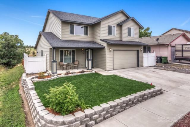 903 SW Sunnyside Drive, Madras, OR 97741 (MLS #201906493) :: The Ladd Group