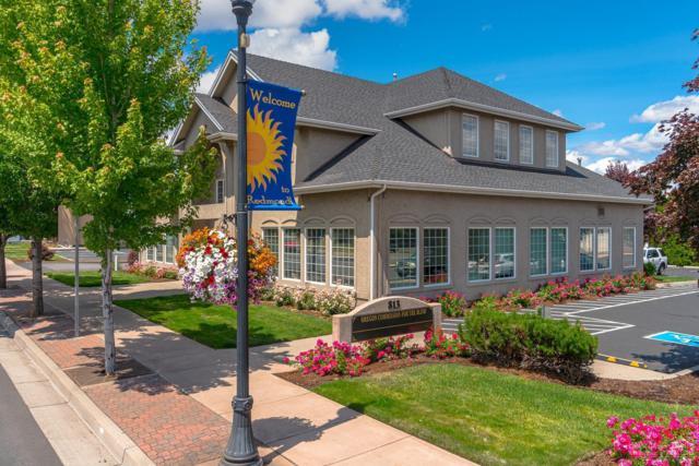 813 SW Highland Avenue #204, Redmond, OR 97756 (MLS #201906598) :: Berkshire Hathaway HomeServices Northwest Real Estate