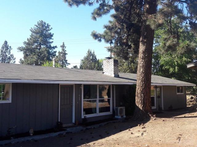 408 NE Thurston Avenue, Bend, OR 97701 (MLS #201906800) :: The Ladd Group