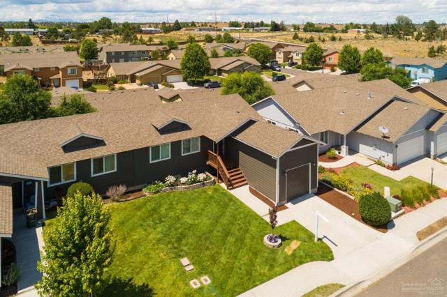 828 SE Strawberry Lane, Madras, OR 97741 (MLS #201906828) :: The Ladd Group