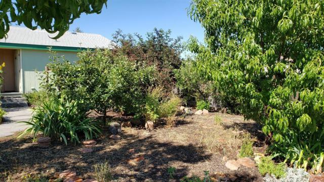 98 SE L Street, Madras, OR 97741 (MLS #201906988) :: Central Oregon Home Pros