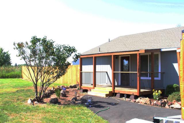 754 NW Smith Rock Way, Terrebonne, OR 97760 (MLS #201907415) :: Central Oregon Home Pros