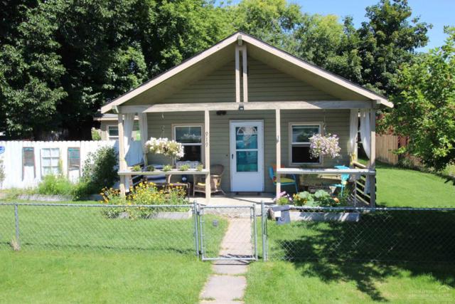 919 NW Cedar Avenue, Redmond, OR 97756 (MLS #201907481) :: Berkshire Hathaway HomeServices Northwest Real Estate