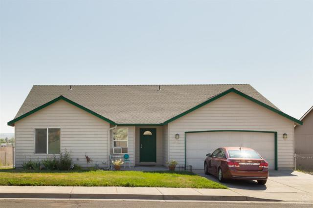 689 SW Cedar Hill Street, Madras, OR 97741 (MLS #201907778) :: The Ladd Group