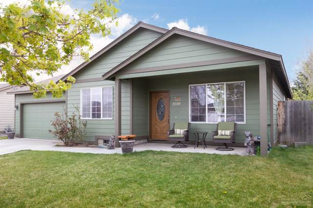 2200 NW Elm Avenue, Redmond, OR 97756 (MLS #201908694) :: The Ladd Group