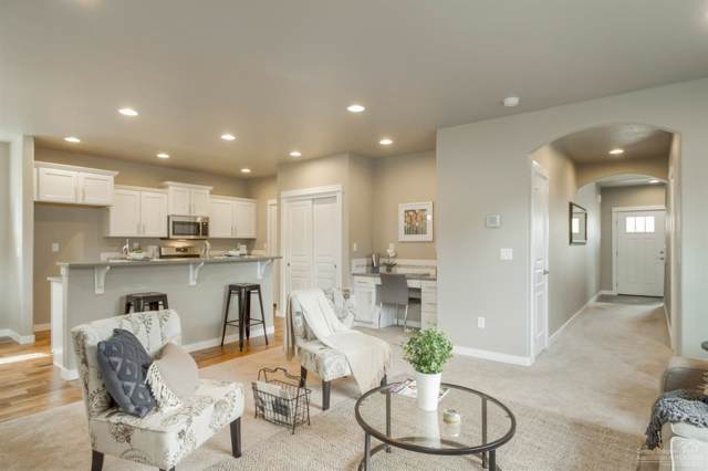 63321 Lamoine Drive, Bend, OR 97701 (MLS #201908721) :: Fred Real Estate Group of Central Oregon