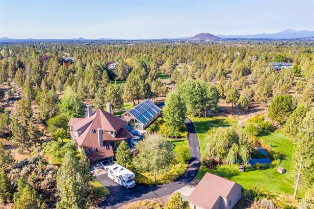 21833 Los Serranos Drive, Bend, OR 97701 (MLS #201908796) :: Fred Real Estate Group of Central Oregon