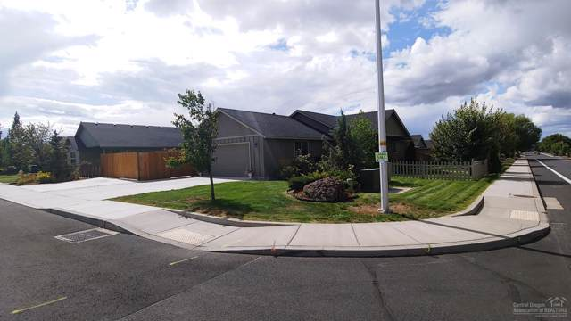 822 NW Quince Avenue, Redmond, OR 97756 (MLS #201908844) :: Central Oregon Home Pros